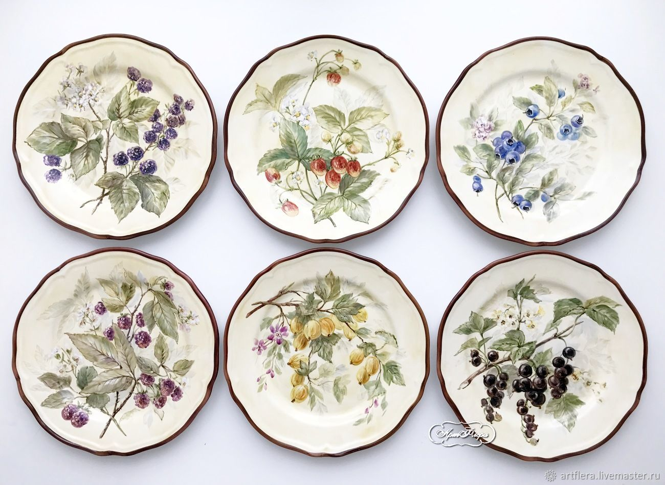 The painted porcelain.Plates on the wall Garden berries, Plates, Kazan,  Фото №1