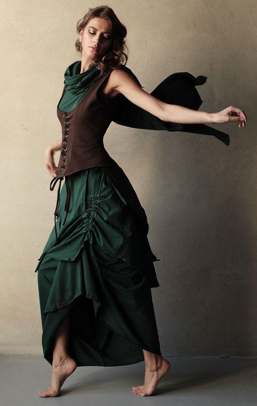 Каждый из элементов сэта можно приобрести по отдельности: Платье `Бабочка` - 6000 руб Корсаж с баской - 5800 руб Просто корсаж - 4100 руб Платье - трансформер в пол - 6600 руб