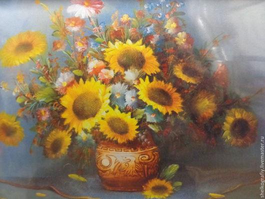 Фото не передает всей палитры цветов и оттенков картины,так как она под пленкой во избежании запыления полотна.