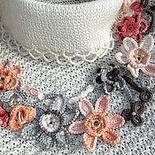 Колье вязаное Вальс цветов
