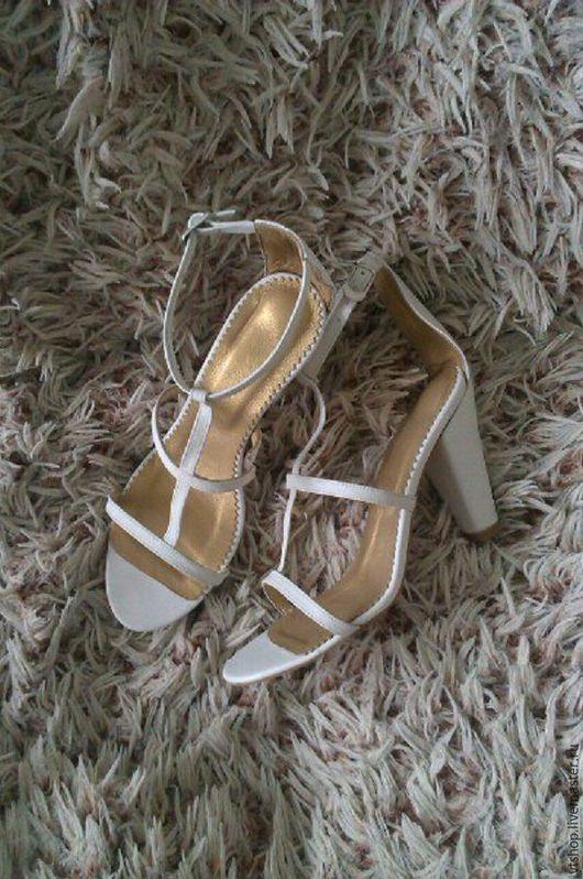 Обувь ручной работы. Ярмарка Мастеров - ручная работа. Купить Босоножки кожаные на каблуке. Handmade. Белый, босоножки женские