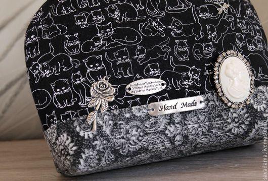 кошки черно-белый сумка купить сумочка с кошкой белый черный недорого камея брошь кошки кот купить подарок девушке лето весна отпуск маленькая сумочка ярмарка мастерок сумка купить италия хлопок джинс