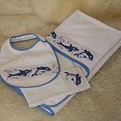 Работы для детей, ручной работы. Ярмарка Мастеров - ручная работа комплект: полотенце-уголок, слюнявчик, варежка. Handmade.