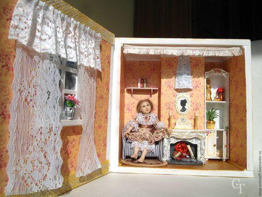 Румбокс-книга `У камина` 1:12 с освещением в камине и бра. Кукольный дом ручной работы и куколка. Handmade. Миниатюра. мастер Tanja Smirnoff