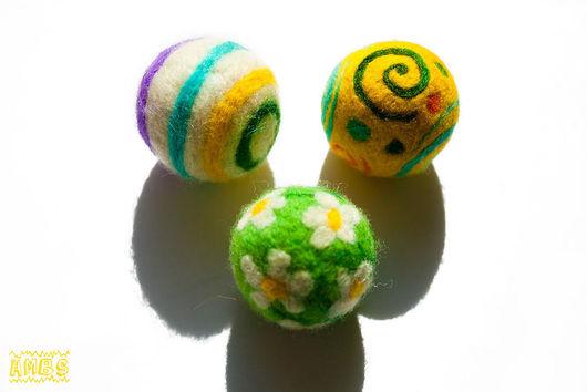 Развивающие игрушки ручной работы. Ярмарка Мастеров - ручная работа. Купить Мячики в ассортименте. Handmade. Мяч, мячик, шерсть, меринос
