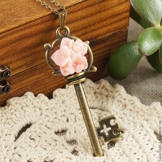 """Кулоны, подвески ручной работы. Ярмарка Мастеров - ручная работа. Купить Подвеска Ключ №7 """"Розовые цветы"""". Handmade."""