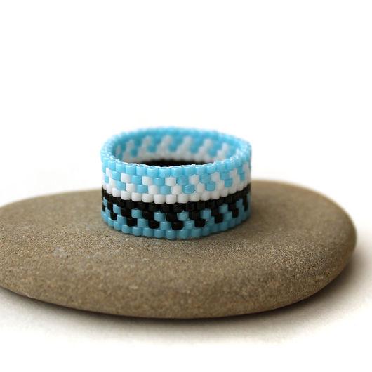 Кольца ручной работы. Ярмарка Мастеров - ручная работа. Купить Голубое кольцо из бисера Оригинальное женское кольцо с узором Этника. Handmade.