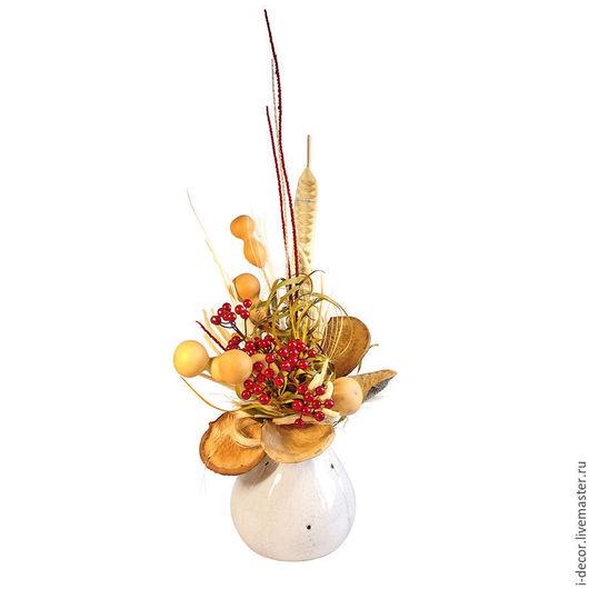 Интерьерная композиция из сухоцветов. Ягоды в Ракульской коллекции