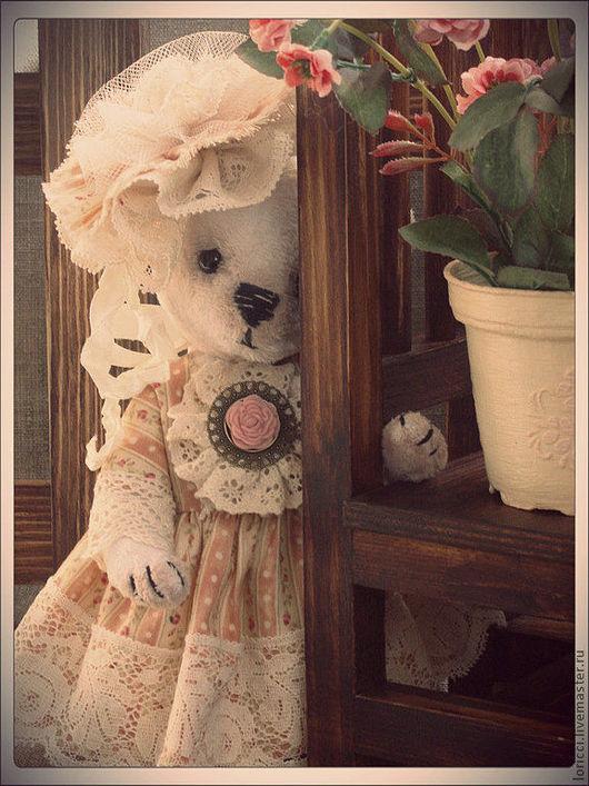 Мишки Тедди ручной работы. Ярмарка Мастеров - ручная работа. Купить Мишка тедди Лулу. Handmade. Белый, мишка в одежке