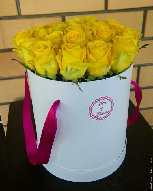 Букеты ручной работы. Ярмарка Мастеров - ручная работа. Купить Цветы в шляпной коробке. Handmade. Желтый, розы в коробке, коробка