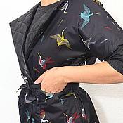 """Куртки ручной работы. Ярмарка Мастеров - ручная работа Жилет черный стеганый двусторонний """"аисты"""" короткий. Handmade."""