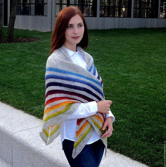 Шали, палантины ручной работы. Ярмарка Мастеров - ручная работа. Купить Шаль Оптимистичная, вязаная спицами шерстяная шаль из Кауни. Handmade.