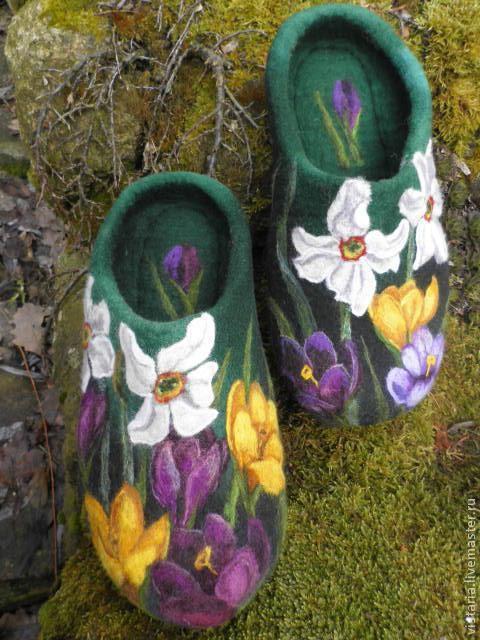 Обувь ручной работы. Ярмарка Мастеров - ручная работа. Купить Тапочки «Нарциссы». Handmade. Тёмно-зелёный, ручная работа