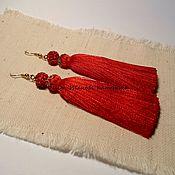 Серьги-кисти ручной работы. Ярмарка Мастеров - ручная работа Серьги красные с кисточками и бусинами шамбала. Handmade.