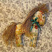 Куклы и игрушки ручной работы. Ярмарка Мастеров - ручная работа Лошадка, ёлочное украшение. Handmade.