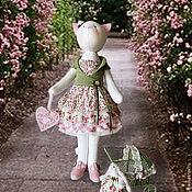 """Куклы и игрушки ручной работы. Ярмарка Мастеров - ручная работа Кошка """"Краше весны и пьянее лета"""". Handmade."""