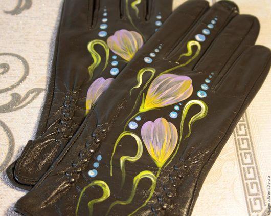 """Варежки, митенки, перчатки ручной работы. Ярмарка Мастеров - ручная работа. Купить Перчатки кожаные на шелке """"Синие крокусы"""". Handmade."""