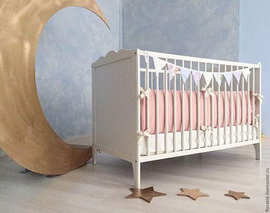 """Детская ручной работы. Ярмарка Мастеров - ручная работа. Купить Комплект в кроватку, бортики в кроватку """"Бежево-розовый"""". Handmade."""