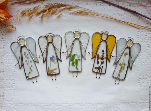 Персональные подарки ручной работы. Ярмарка Мастеров - ручная работа. Купить Интерьерная подвеска ангел с природным наполнением.Витражное украшение. Handmade.