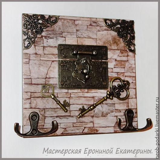 """Прихожая ручной работы. Ярмарка Мастеров - ручная работа. Купить Ключница открытая """"Замок"""".. Handmade. Бежевый, ключница в прихожую"""