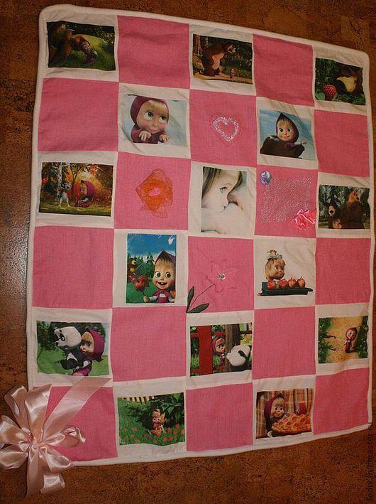 """Пледы и одеяла ручной работы. Ярмарка Мастеров - ручная работа. Купить Одеяло-плед для девочки """"Машенька и Медведь"""". Handmade. Розовый"""