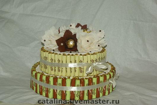 Подарки на свадьбу ручной работы. Ярмарка Мастеров - ручная работа. Купить Свадебный торт из конфет. Handmade. Букет из конфет