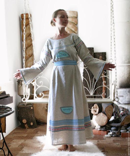 Вода Водица. 100% лён.Вышивка-символ воды.Вшита натуральная бирюза.На платье есть так же красная обережная тесьма и на ней знаки олицетворение - камень-алатырь-засеянное поле,что означает плодородие