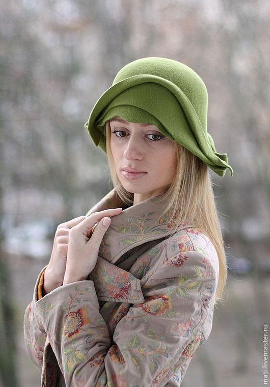 """Шляпы ручной работы. Ярмарка Мастеров - ручная работа. Купить шляпка-клош """"Пробуждение"""". Handmade. Салатовый, весна, велюр"""