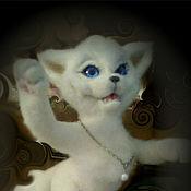 Куклы и игрушки ручной работы. Ярмарка Мастеров - ручная работа Белый Лис с жемчужиной. Войлок.. Handmade.
