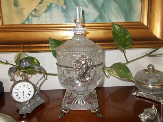 Винтажные предметы интерьера. Ярмарка Мастеров - ручная работа. Купить Хрустальная ваза с эмблемой  винтаж, Италия. Handmade. Белый