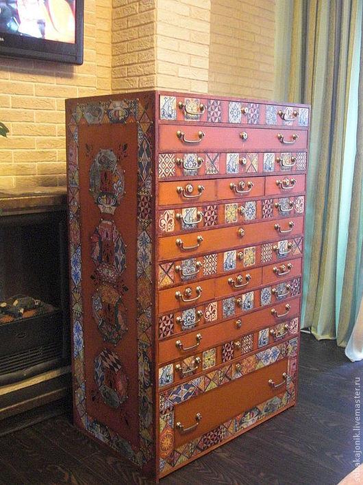 """Мебель ручной работы. Ярмарка Мастеров - ручная работа. Купить Комод """"ХРАНИТЕЛЬ"""". Handmade. Рыжий, для коллекции, мебельные гвозди"""