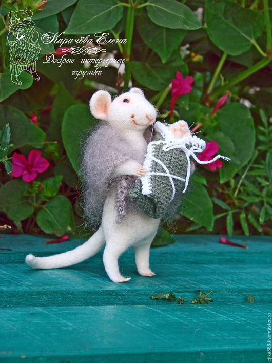 Игрушки животные, ручной работы. Ярмарка Мастеров - ручная работа. Купить Мама мышка с мышоночком 2. Handmade. Белый, мышка