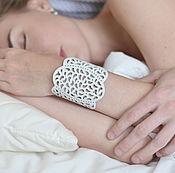 Браслет из бусин ручной работы. Ярмарка Мастеров - ручная работа Кожаный браслет Облака. Handmade.