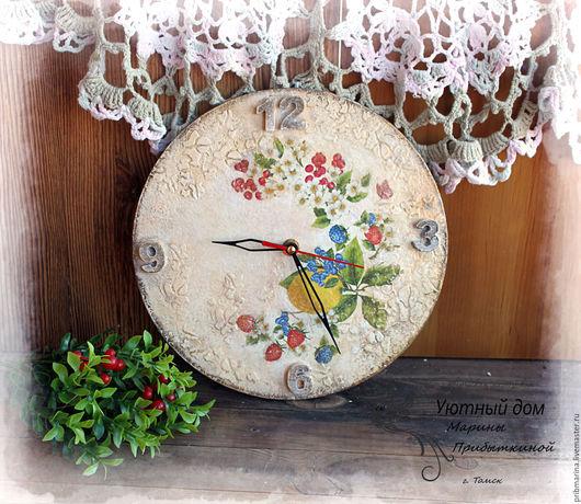 """Часы для дома ручной работы. Ярмарка Мастеров - ручная работа. Купить Настенные часы """"Ягодные"""". Handmade. Комбинированный, часы для дома"""