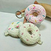 Аксессуары ручной работы. Ярмарка Мастеров - ручная работа Брелок-пончик. Handmade.