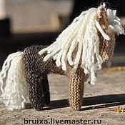 """Куклы и игрушки ручной работы. Ярмарка Мастеров - ручная работа Игрушка """"Белогривка"""" вязанная лошадка. Handmade."""