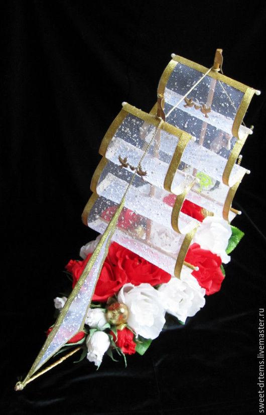 Подарки на свадьбу ручной работы. Ярмарка Мастеров - ручная работа. Купить Композиция из конфет Свадебный корабль. Handmade. Белый, свадьба