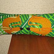"""Для дома и интерьера ручной работы. Ярмарка Мастеров - ручная работа Подушка """" Собаки. Две таксы..."""". Handmade."""