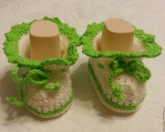 """Для новорожденных, ручной работы. Ярмарка Мастеров - ручная работа. Купить Пинетки""""Гламурчики"""" салатовые с белым. Handmade. Комбинированный, пинетки для новорожденных"""
