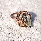 Украшения ручной работы. Ярмарка Мастеров - ручная работа Медное кольцо перстень с топазом и турмалином. Дикое, сильное. Handmade.