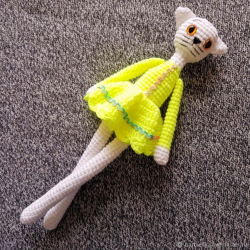 Knitted white cat in a dress, Amigurumi dolls and toys, Sochi,  Фото №1