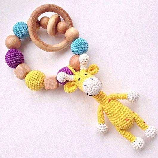 Развивающие игрушки ручной работы. Ярмарка Мастеров - ручная работа. Купить Игрушка для малыша грызунок-прорезыватель с игрушкой Жирафиком. Handmade.