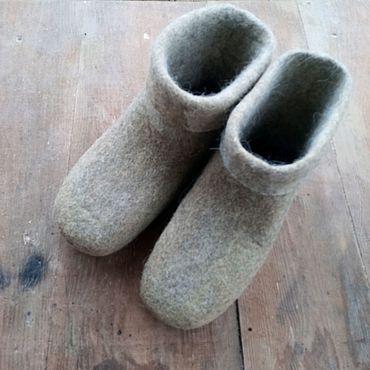Обувь ручной работы. Ярмарка Мастеров - ручная работа Светло-серый чуни универсальные. Handmade.