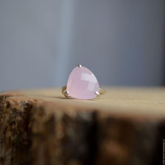 Кольца ручной работы. Ярмарка Мастеров - ручная работа. Купить Кольцо с розовым кварцем родиевое покрытие 15 размер. Handmade.