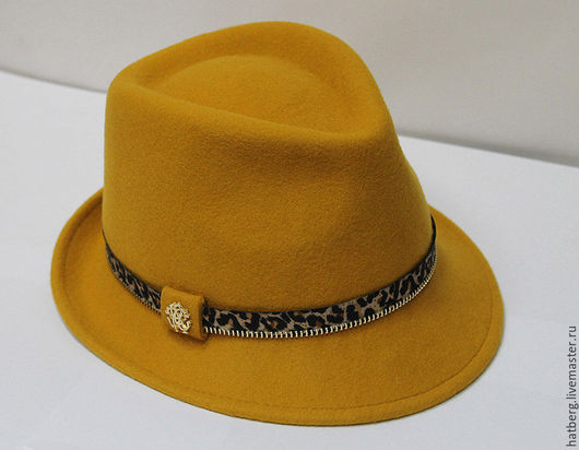 Стильная фетровая  шляпка из шерсти австралийского мериноса желтого цвета с молнией лео . Купить.Людмила Hatberg.